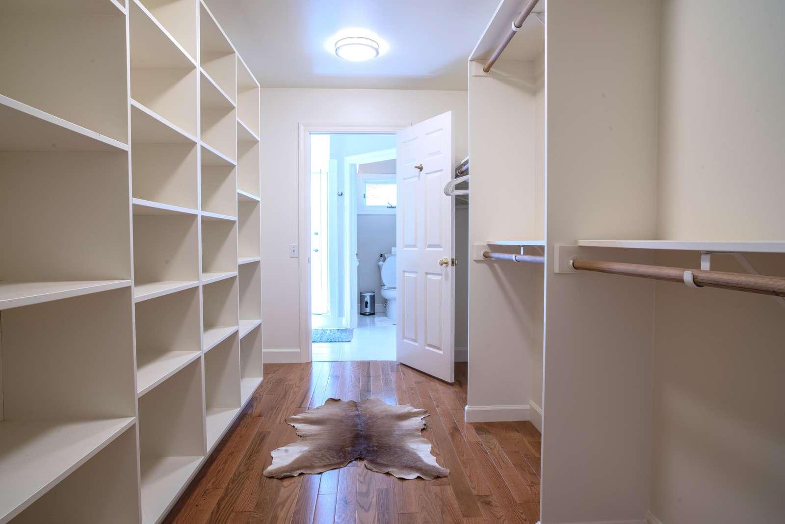 Master closet walk-in
