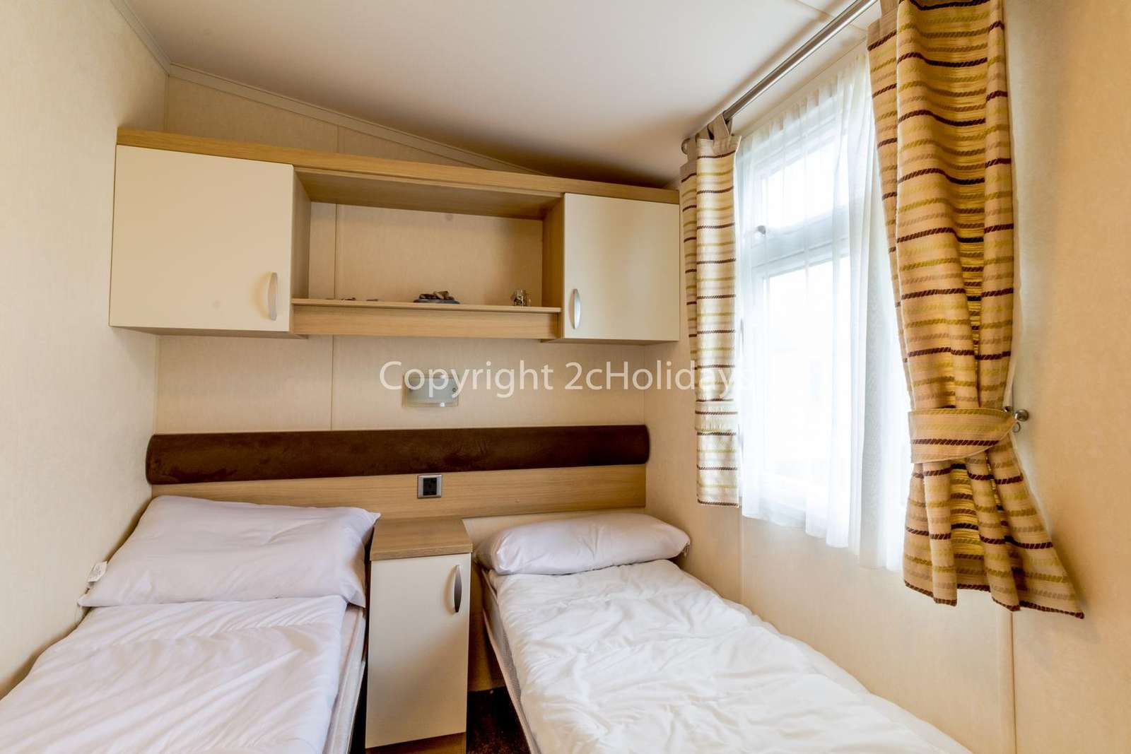 Cosy twin bedroom ideal for families!