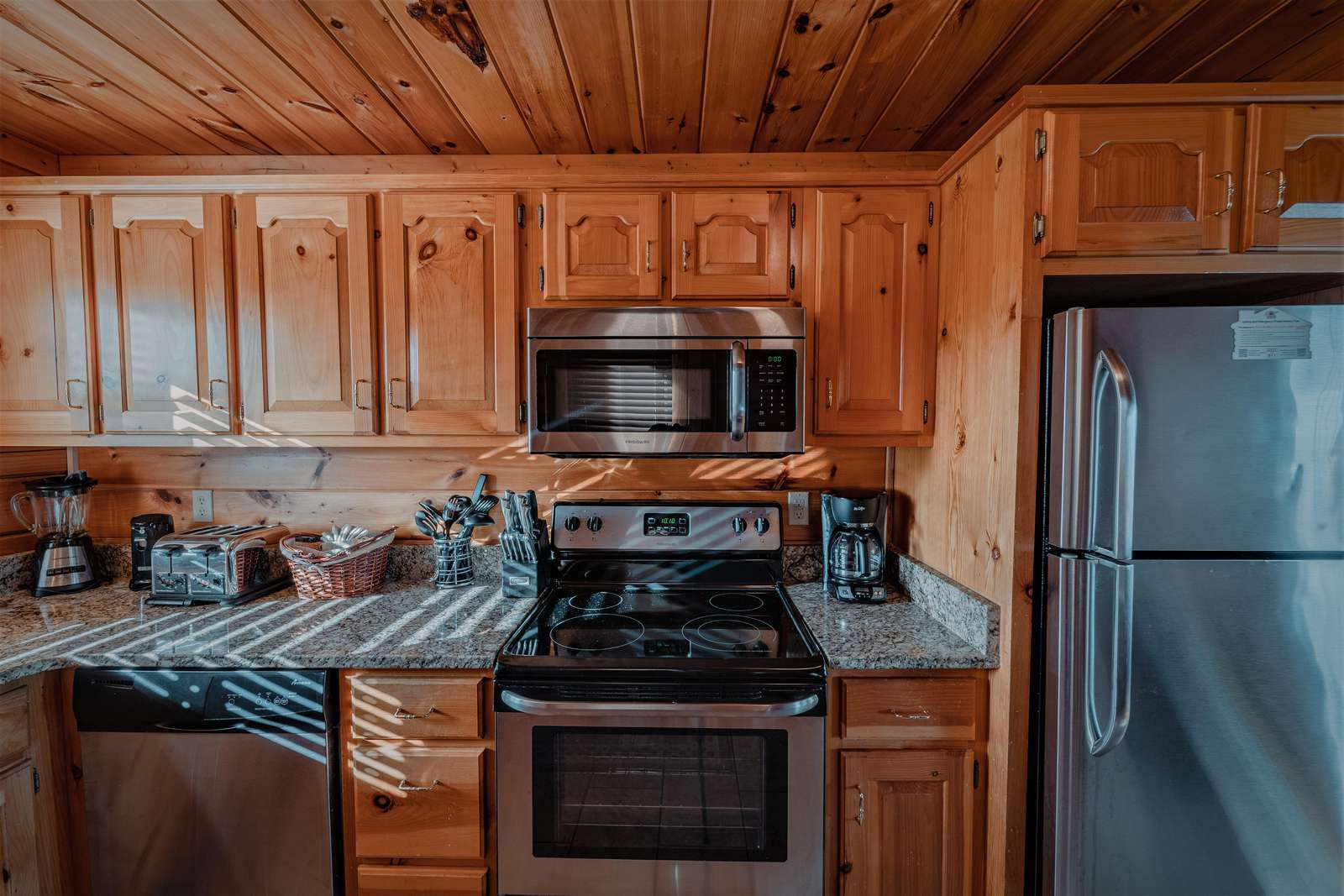 The kitchen is the first place you see when entering the cabin