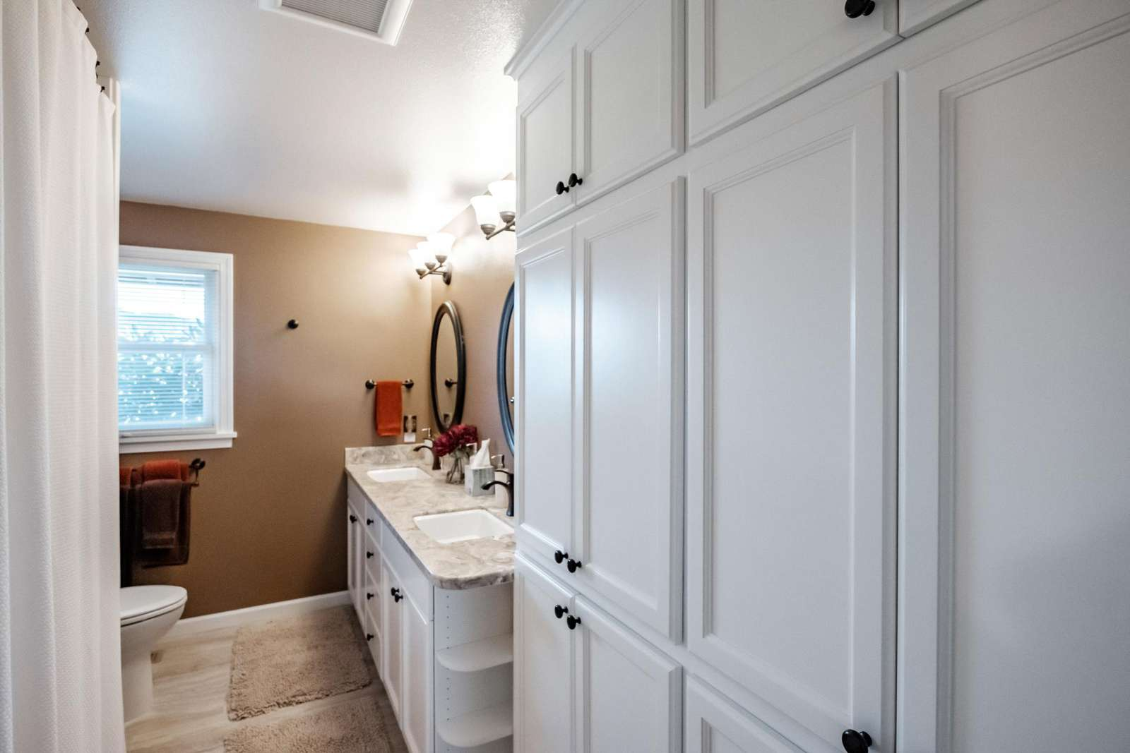 Bathroom storage for towels and guest items