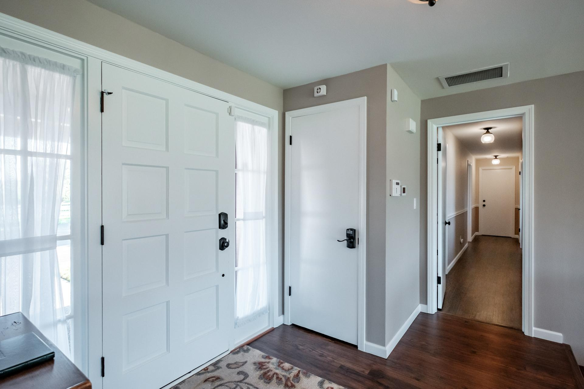 Entrance landing and hallway to bedrooms.