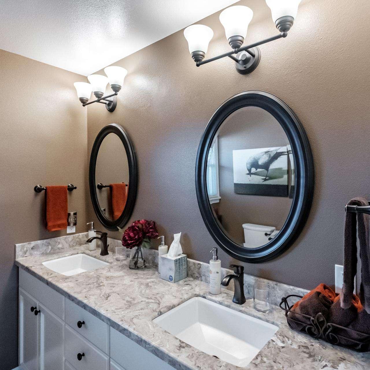 Spacious Hall Bathroom - Double sinks