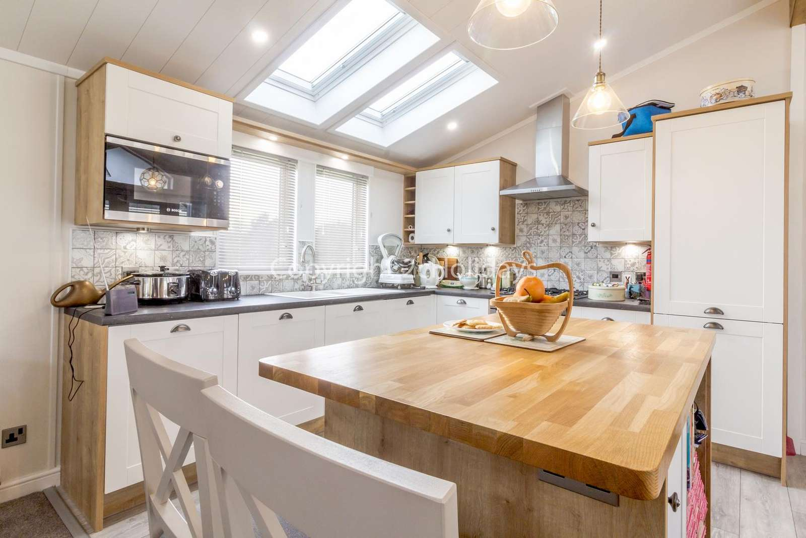A fully quipped kitchen, perfect for self-catering holidays!