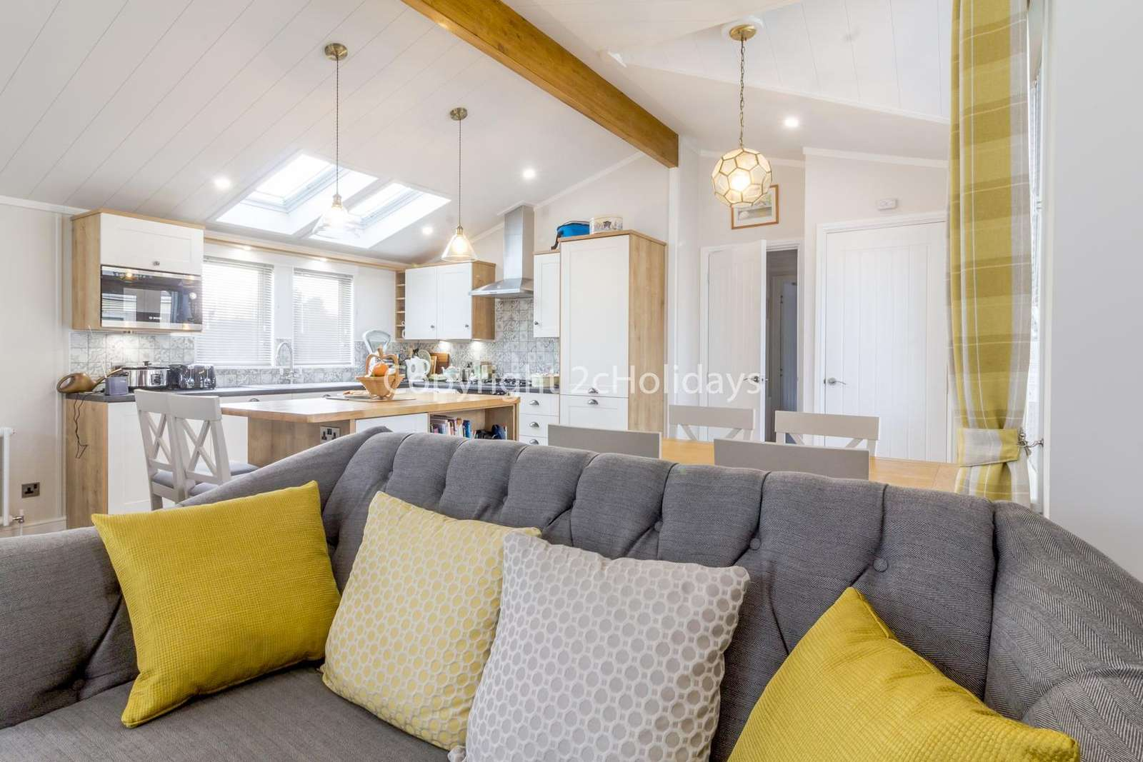 Cosy yet open plan kitchen/diner and lounge!