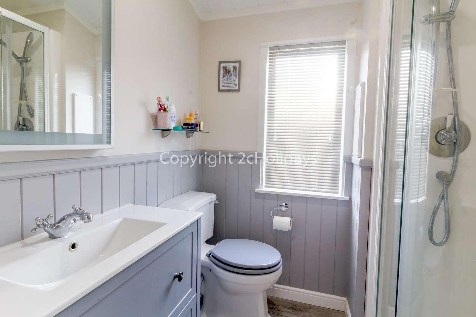 Spacious en-suite with a shower!