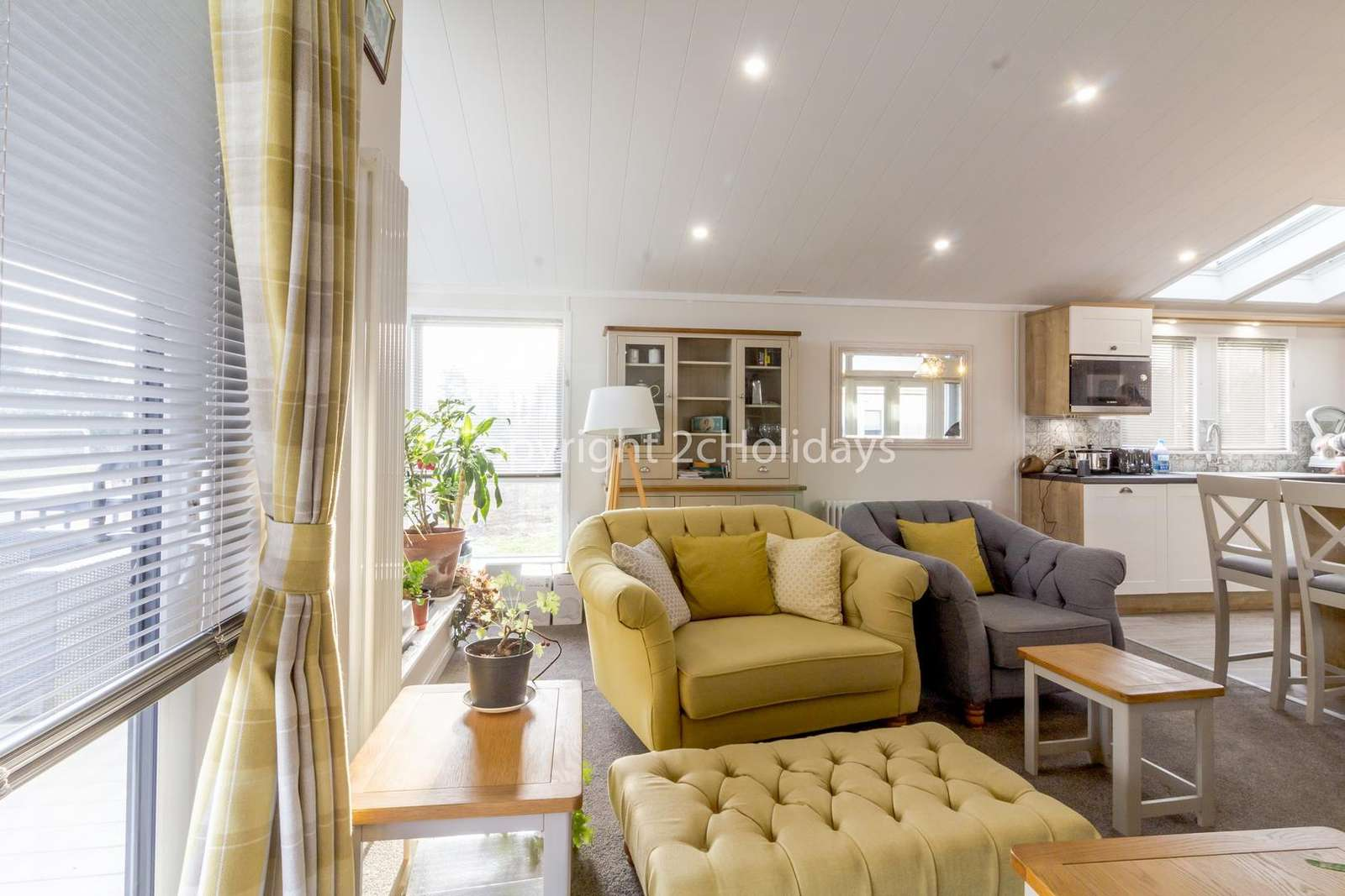 Modern but cosy lounge, great for families!
