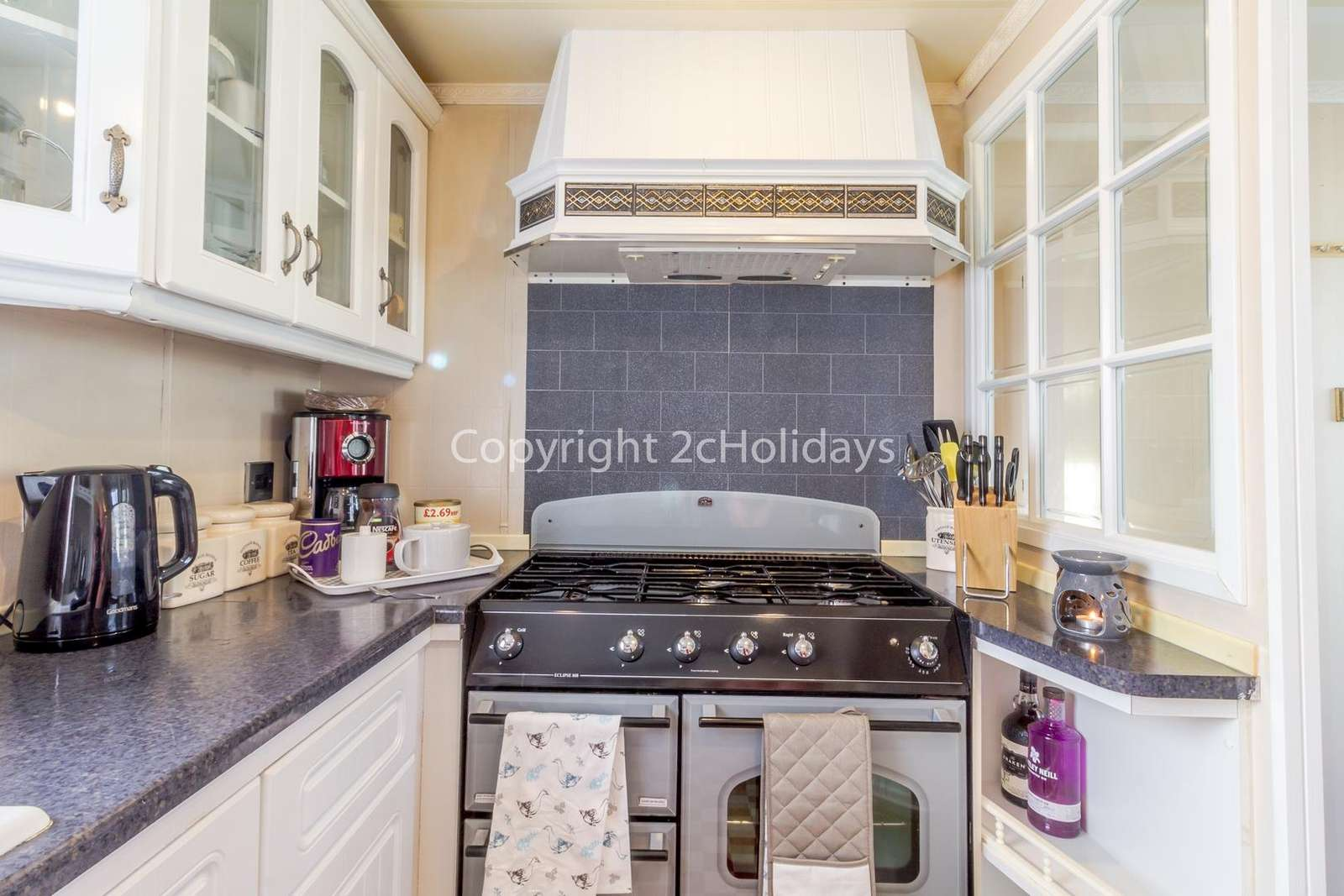 This modern kitchen has fully equipped, perfect for self-catering holidays