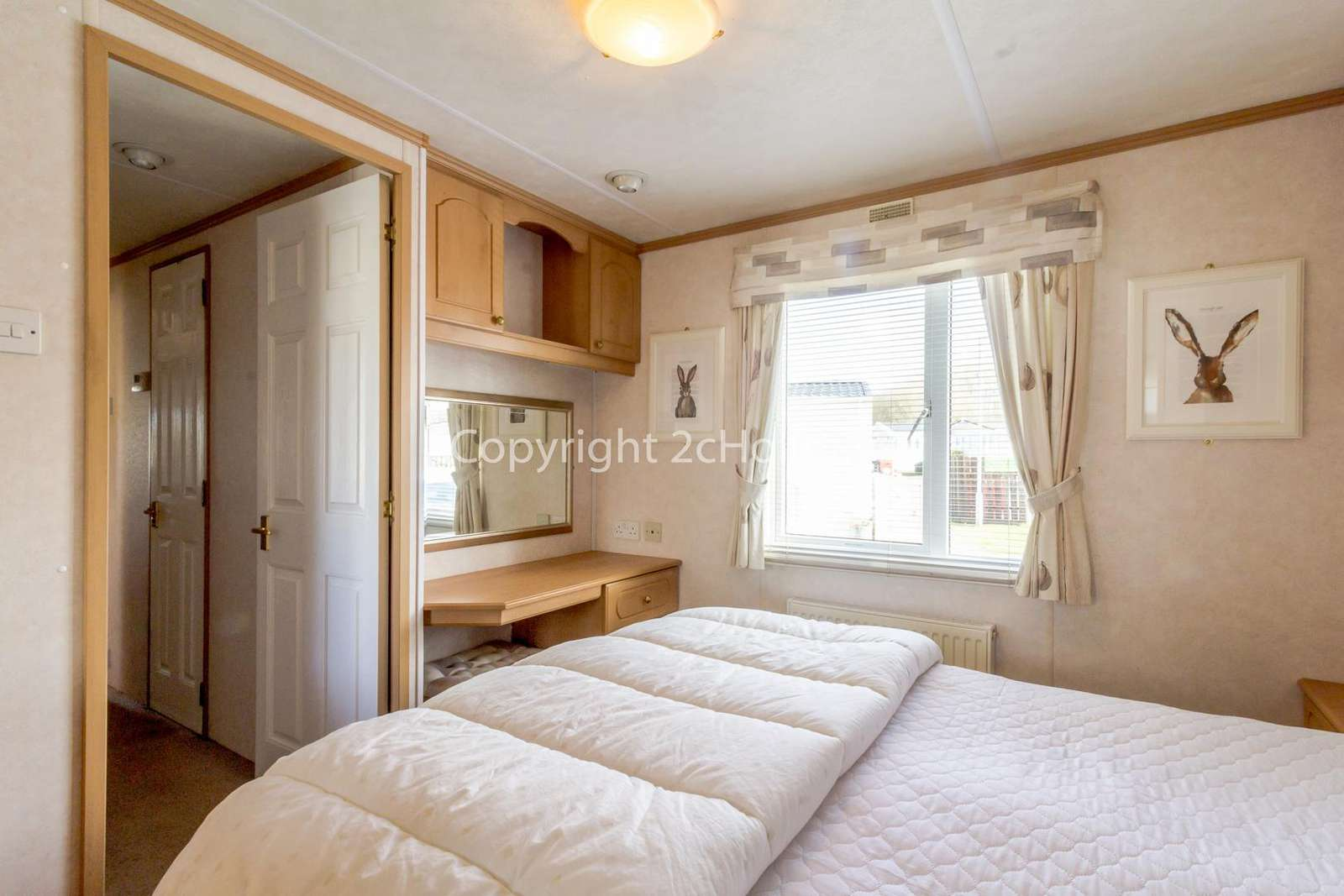 Great size master bedroom with an en-suite!