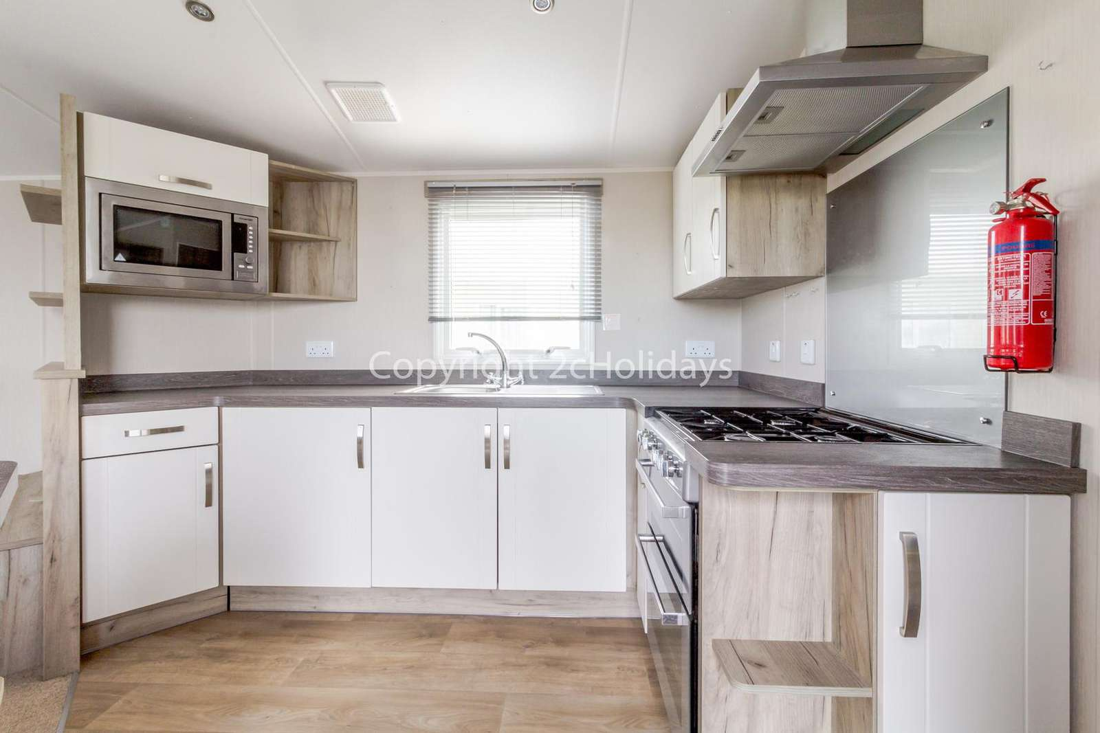 A well equipped modern kitchen, perfect for self-catering breaks!