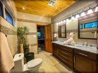 The upper master bedroom's ensuite bath - gorgeous! thumb