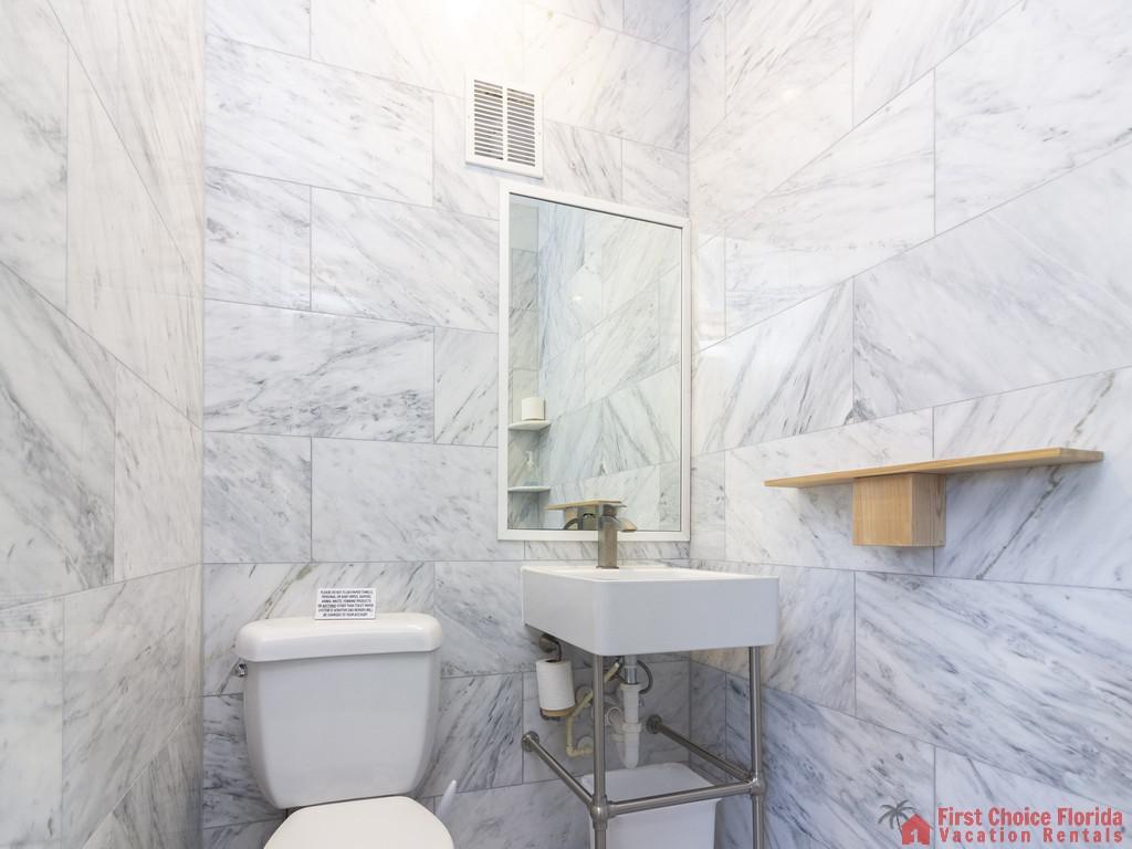 All Ashore North Bathroom