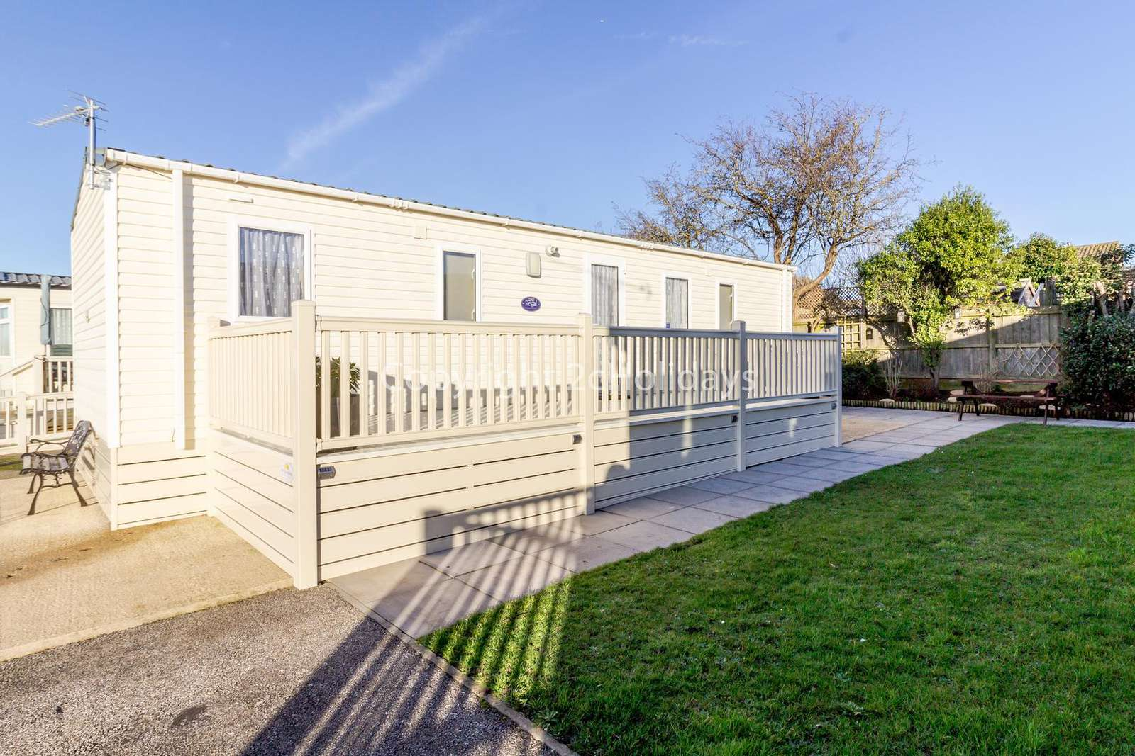 Luxury holiday home with a large decking area!