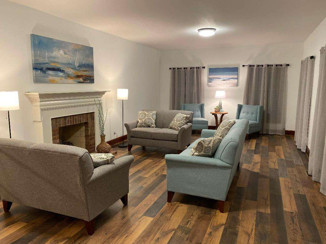 Formal Living Room/Sitting Room