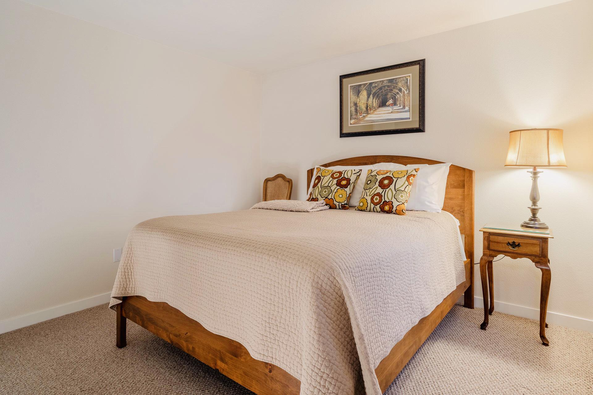 Second Bedroom - Stylish Art and Furnishings