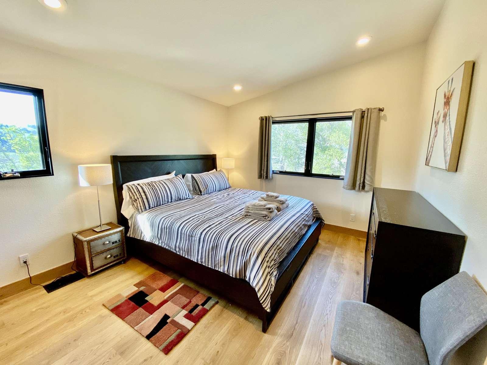 Bedroom 1 (Off Kitchen)
