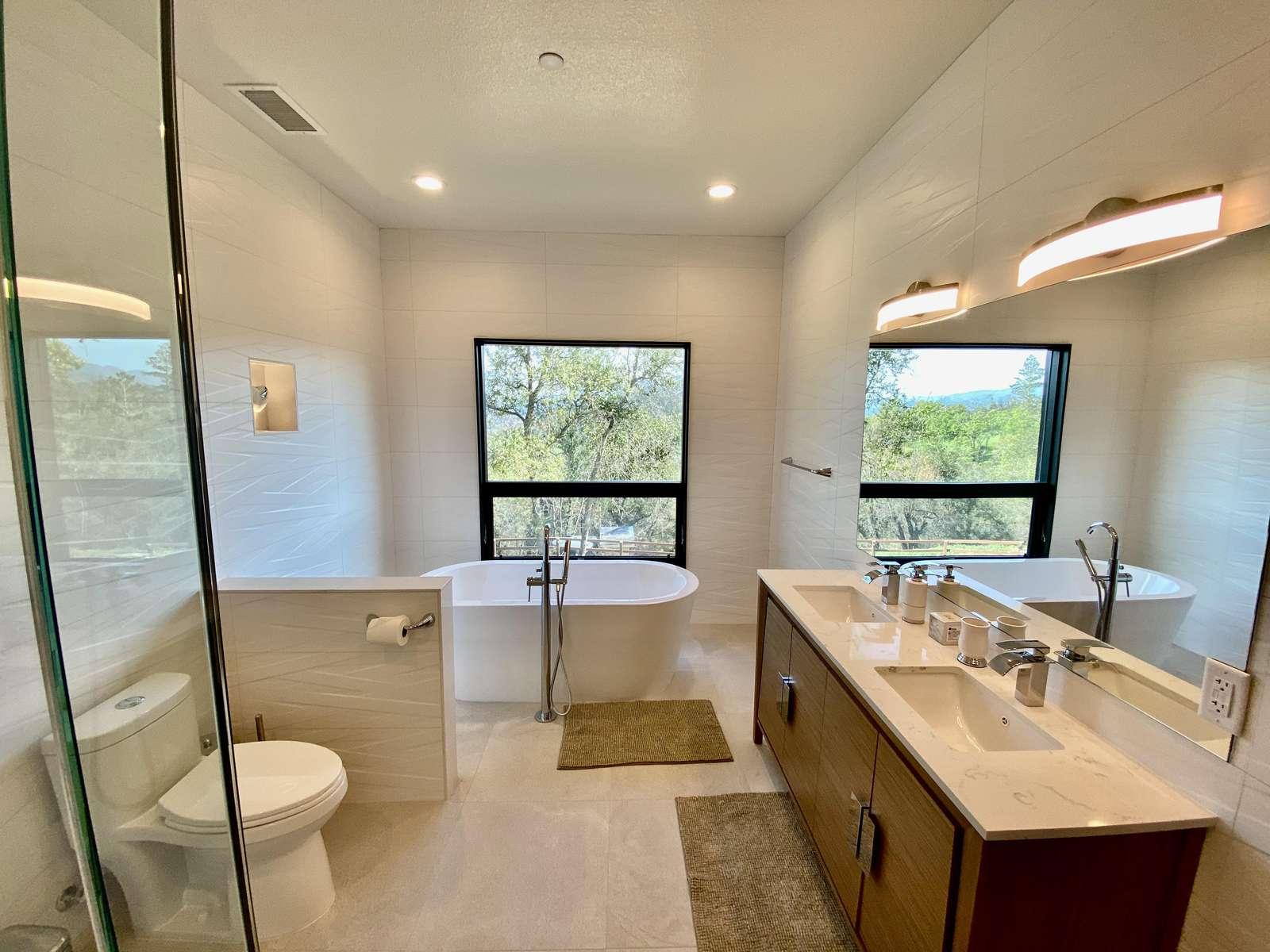 Bathroom 3 (Ensuite w/ Bedroom 3)