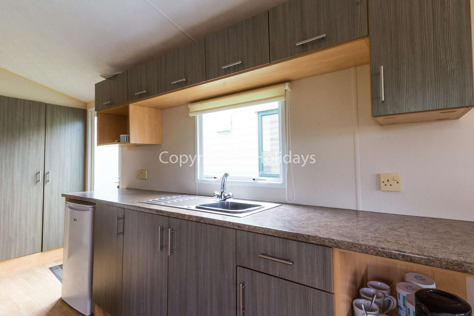 Modern kitchen, fully equipped, perfect for self-catering holidays
