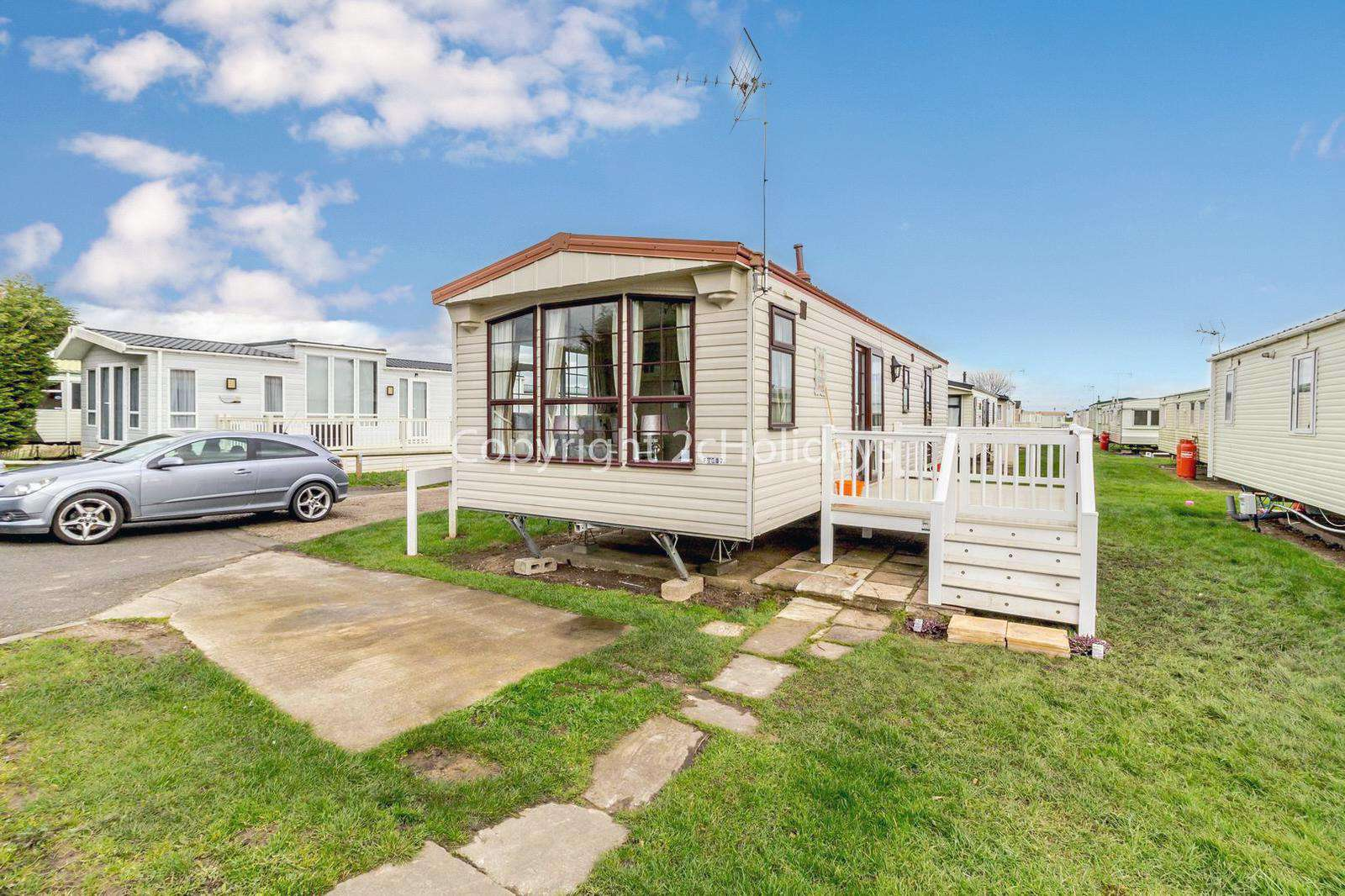 Great caravan on a fabulous family holiday park with fantastic amenities
