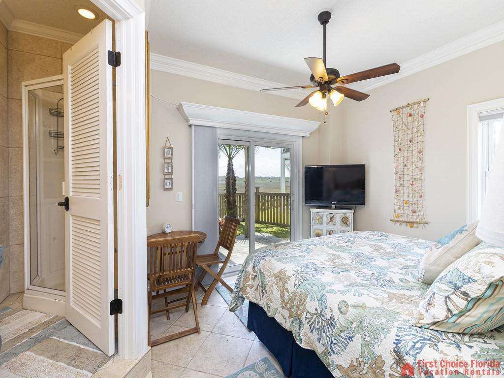 Oyster House Bedroom with Bathroom and View