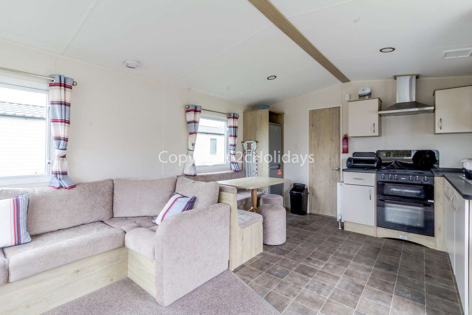 Open plan lounge and kitchen/diner!