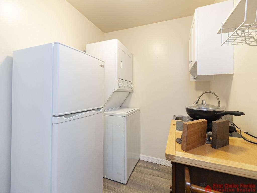 Deja Blue Washer Dryer and Refrigerator