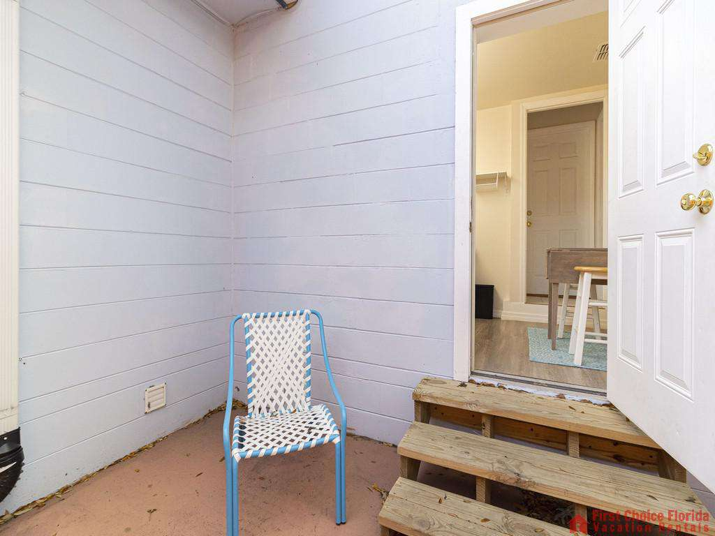 Deja Blue Patio Chair