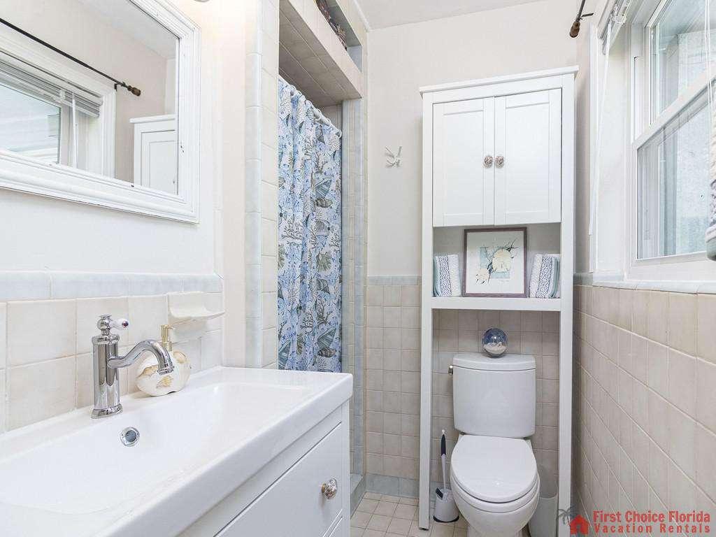Deja Blue Bathroom with Shower