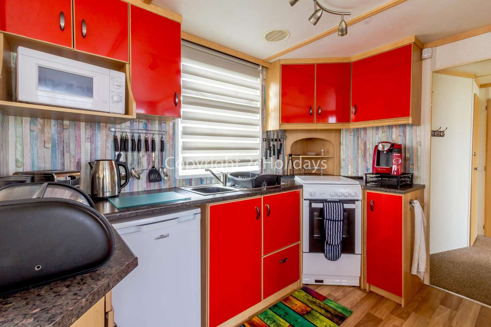Modern kitchens with a full size oven/hob!