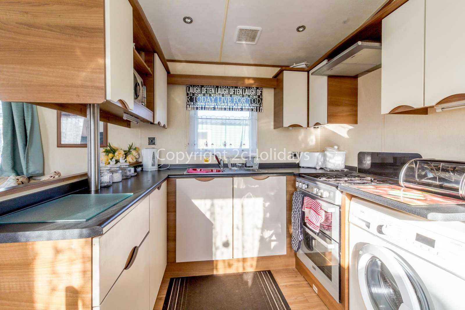 You can even find a washing machine in this holiday home!