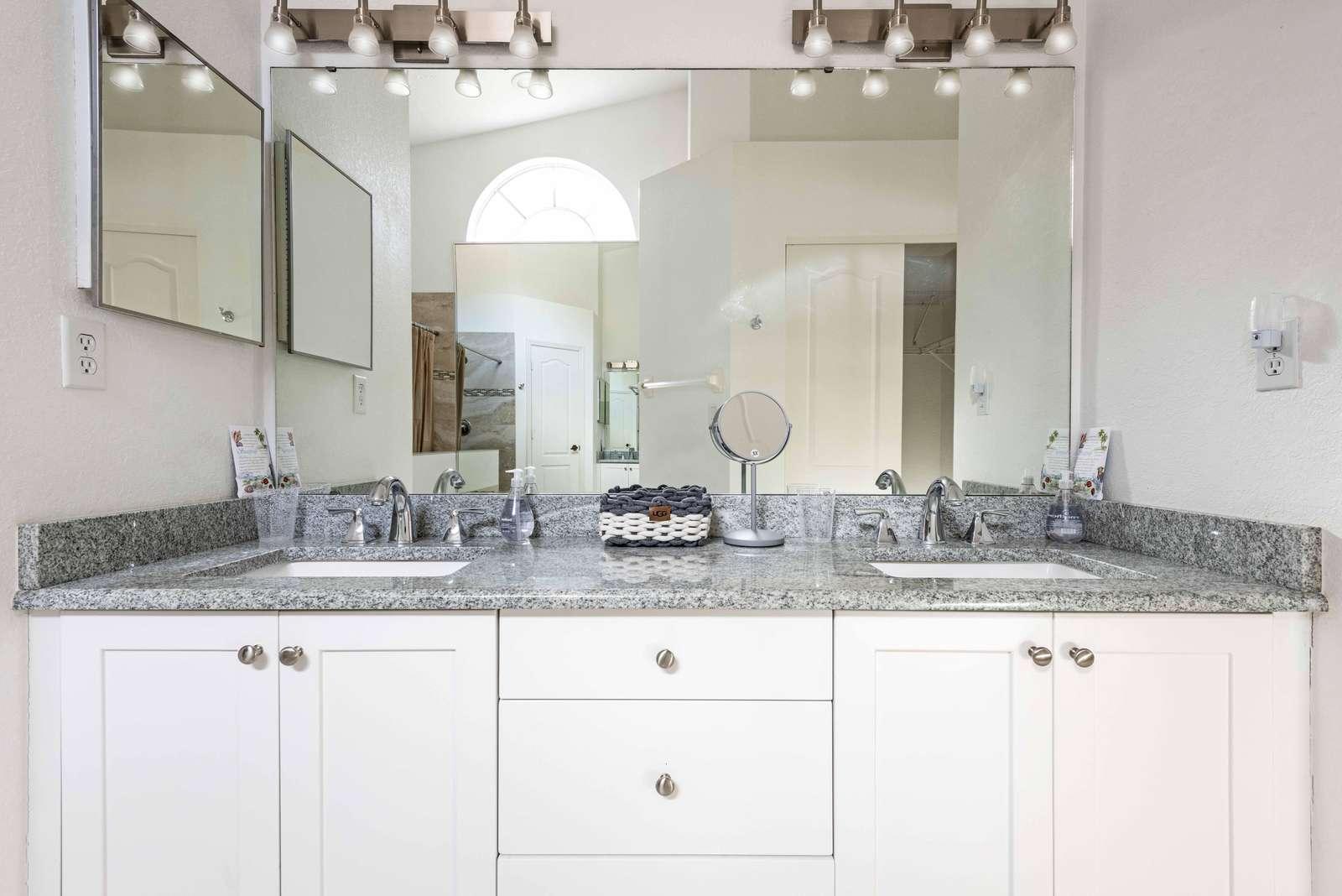 Master Bath Sinks
