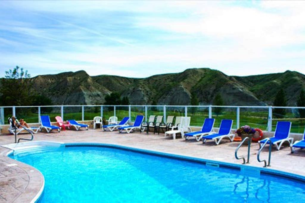 Free access to Resort pool, hot tub, fitness center and discounts on golf and restaurant. Open June - September.
