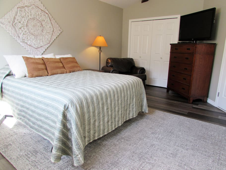 Upstairs Master Bedroom with Private Bathroom