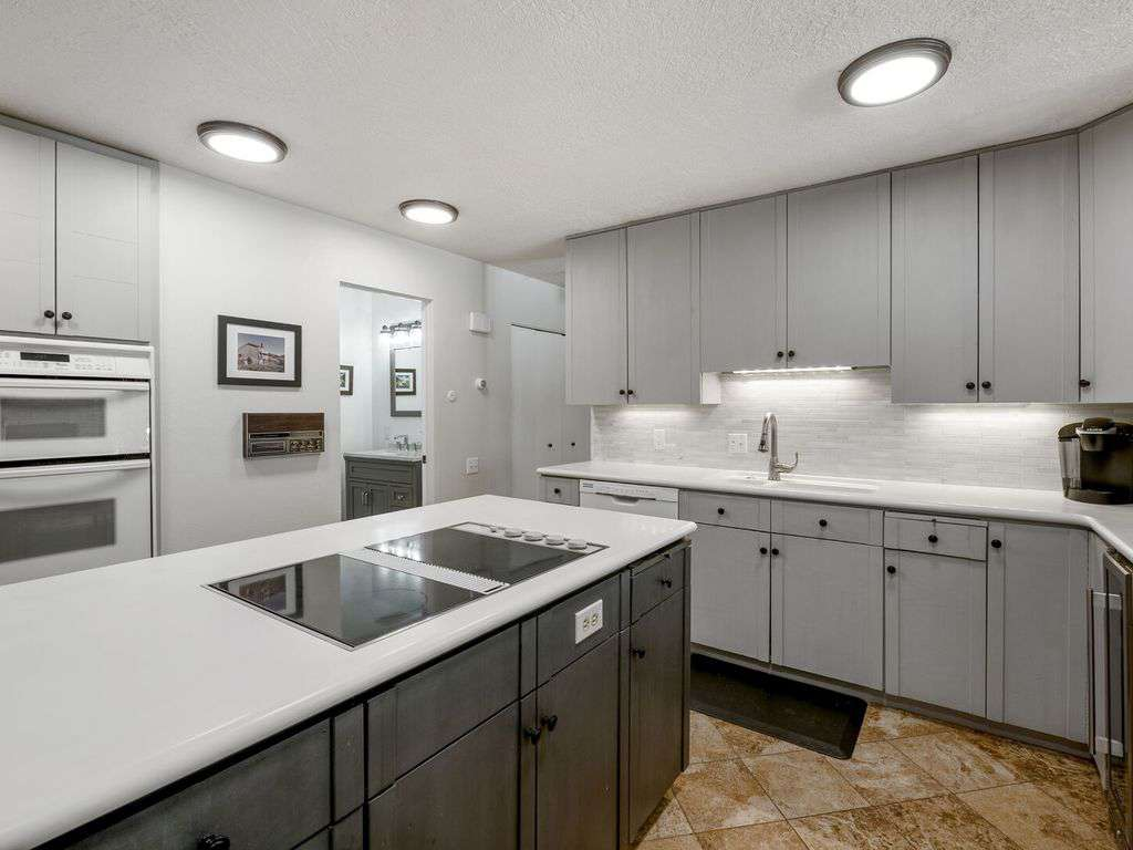 Spacious kitchen with a double oven
