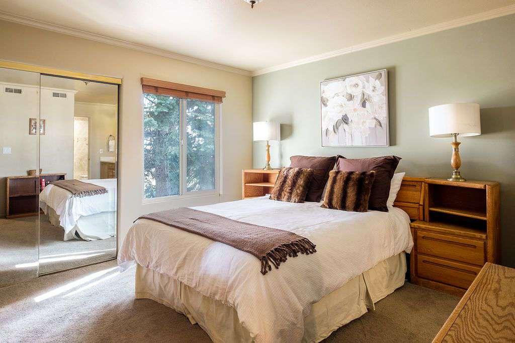 First Floor Master Bedroom with queen bed