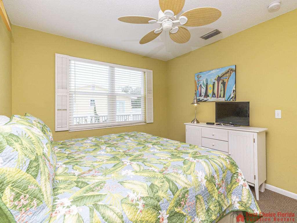 Coastal Cottage A - King Bed & TV