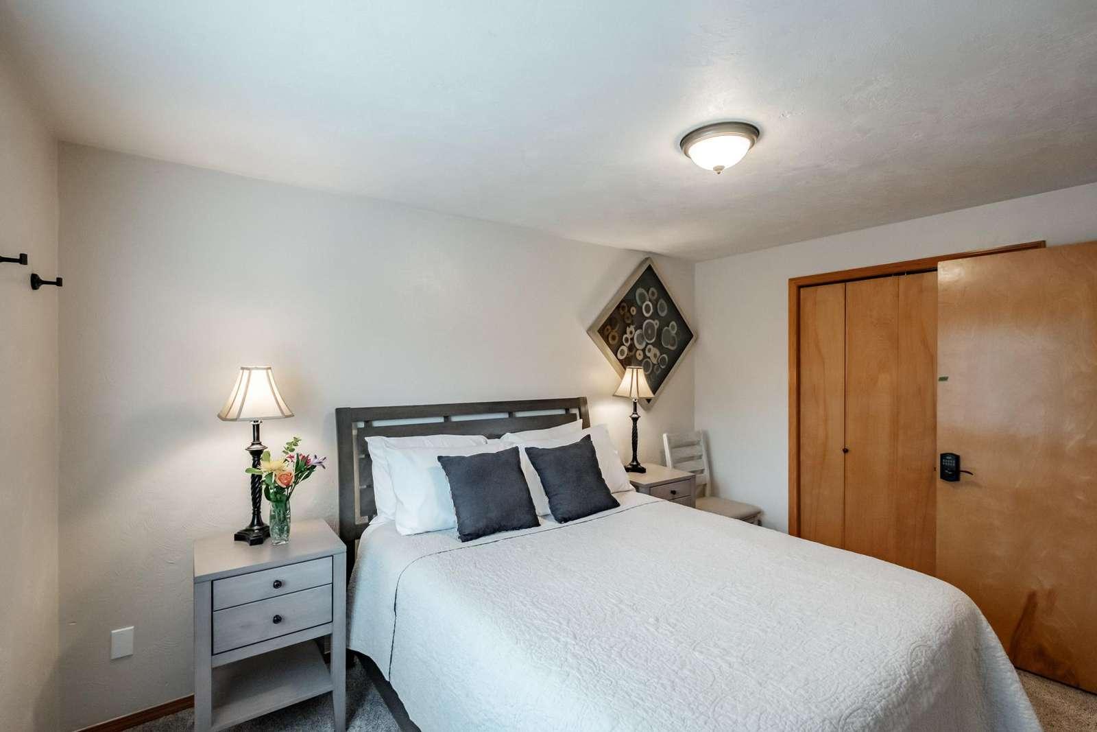 Bedroom 2 - Queen pillow-top bed
