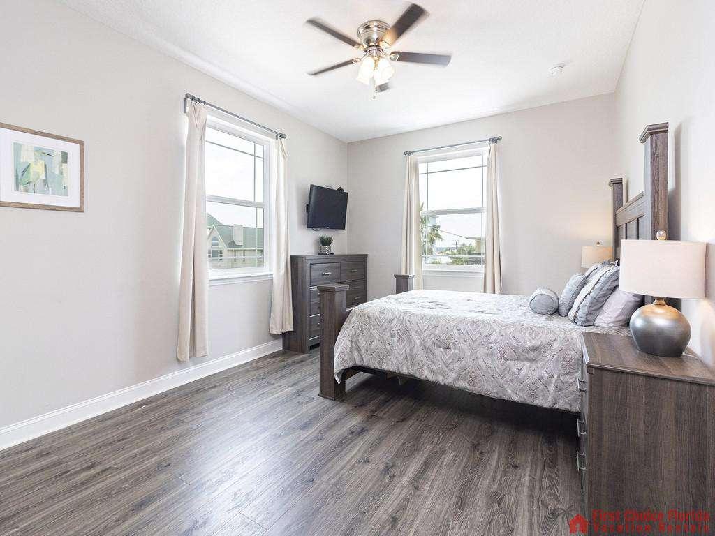 Sea View Second Floor Bedroom - Ceiling Fan and TV