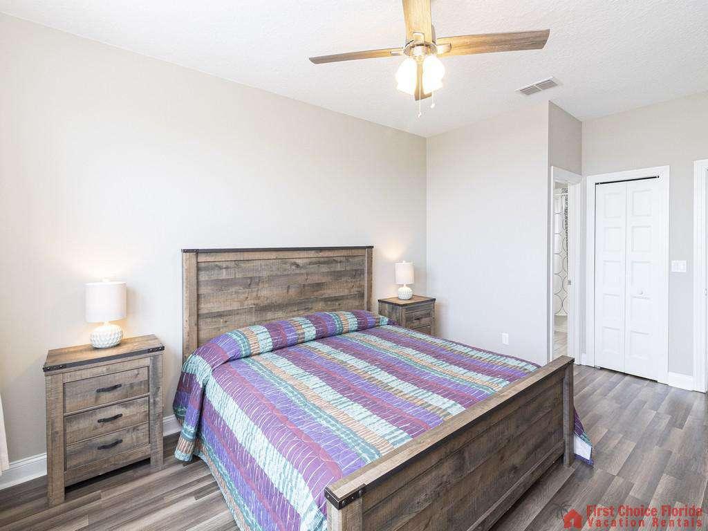 Sea View Second Floor Bedroom - Ceiling Fan