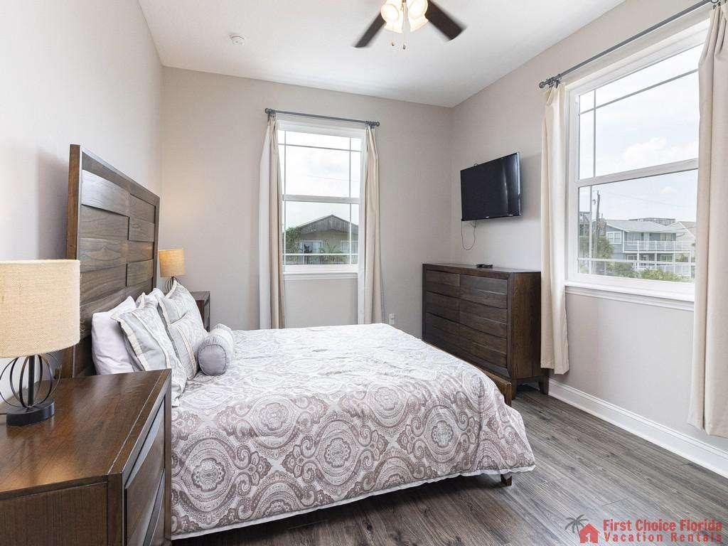 Sea View Second Floor Bedroom with TV