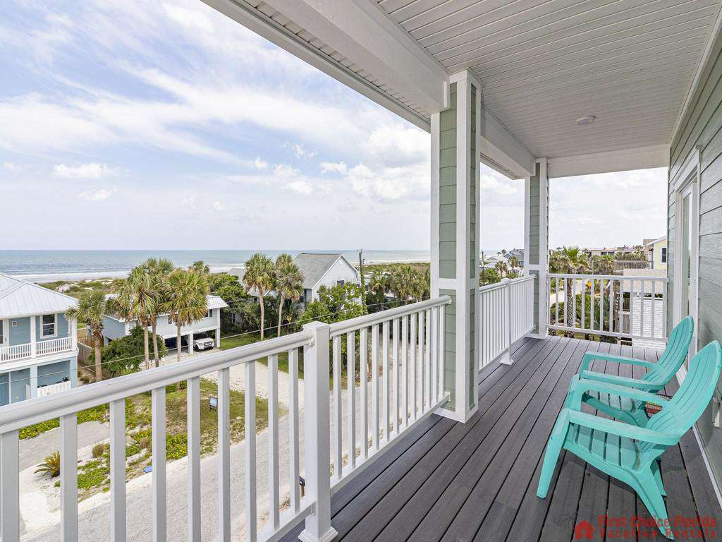 Sea View - Covered Deck w/ Fantastic Views!