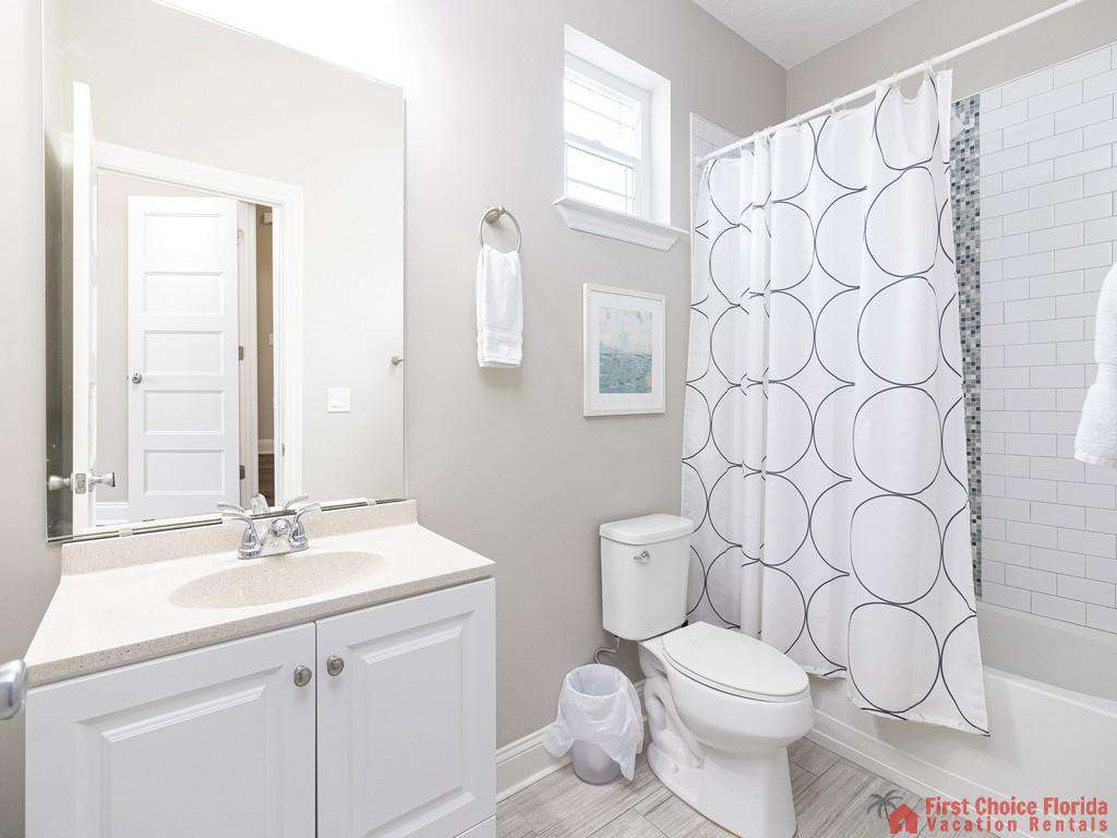 Sea View Second Floor Shower/Tub combo Bathroom