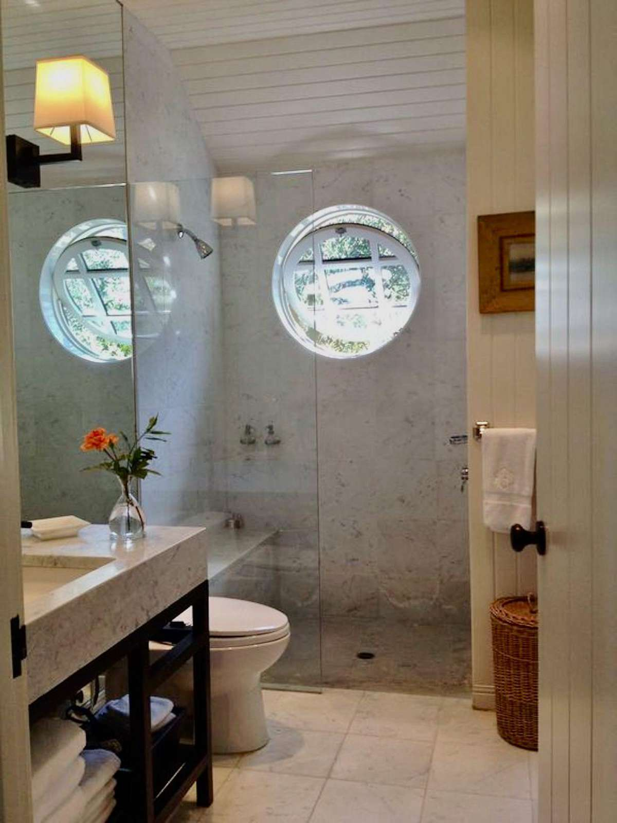Master Bath (Villa 1)