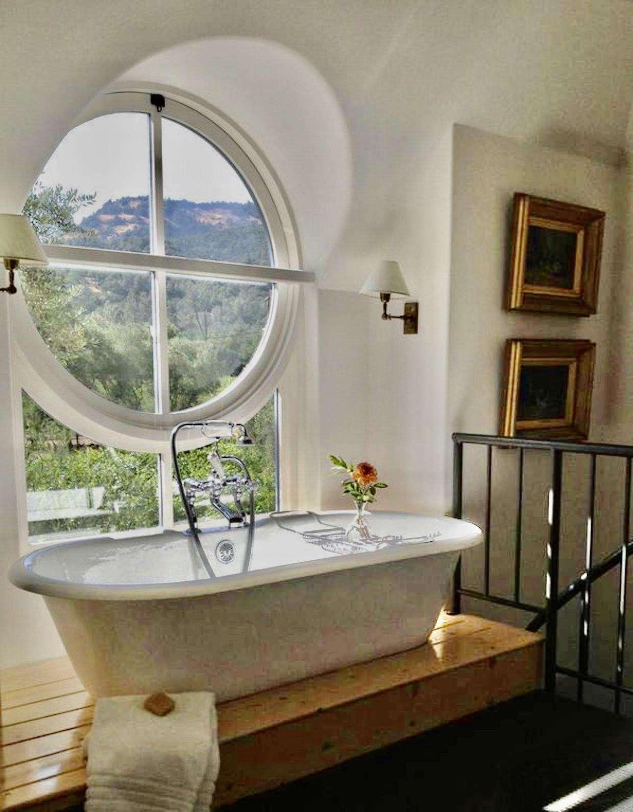 Tub (Bathroom 3) (Villa 2)
