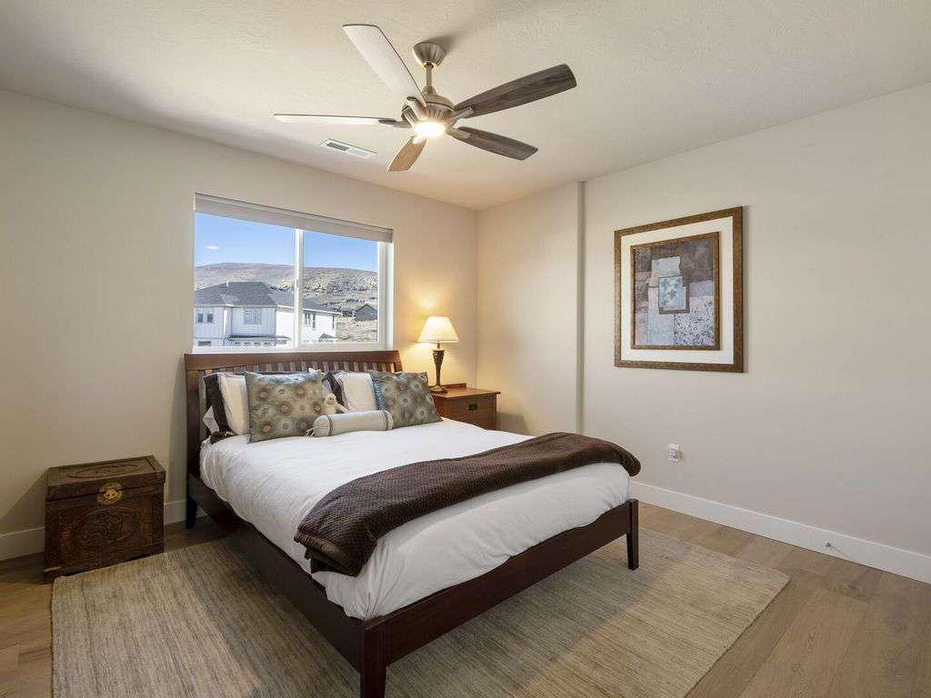 Guest bedroom on upper floor