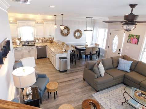 1068 Wish Upon A Starfish Custom 5 bdrm/3.5 bath 20 steps to the ocean