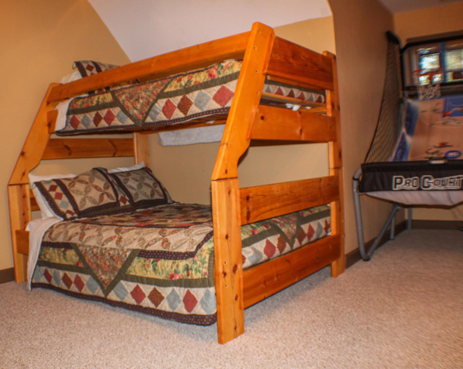 THIRD BEDROOM(FIRST BUNKBED)
