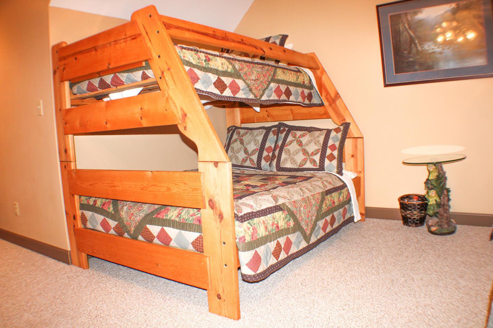 THIRD BEDROOM(SECOND BUNKBED)