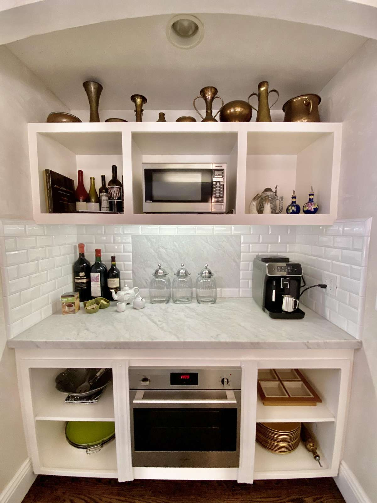Wine and coffee bar in kitchen