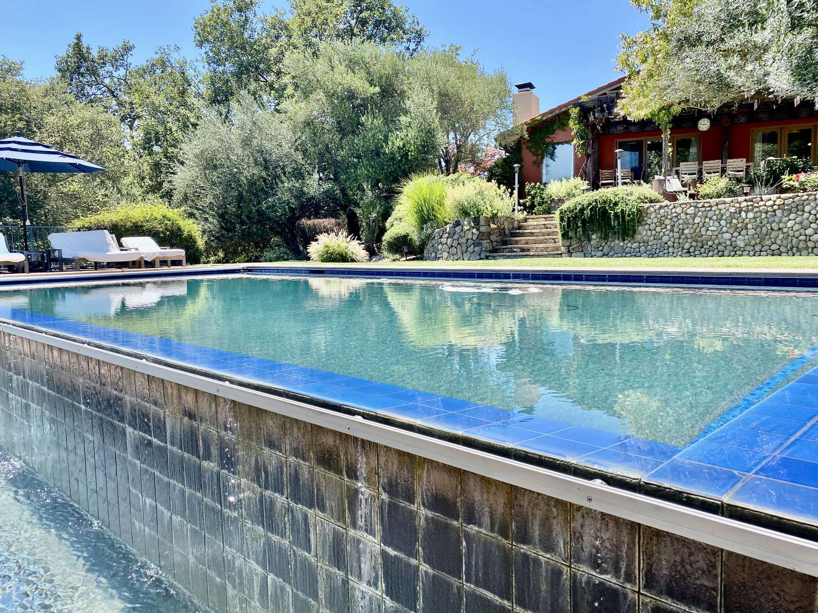 Infinity edge keep the pool cool during hot summer days