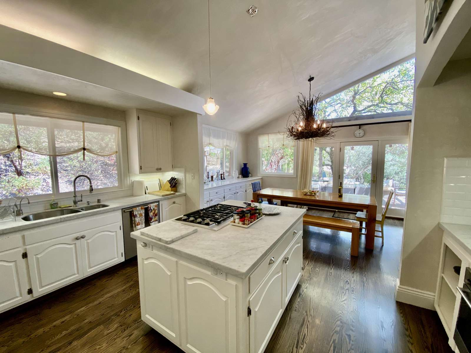 Beautiful kitchen with soaring ceilings
